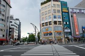 Terlihat Bagaimana Budaya Antre di Jepang, Sangat Tertib.
